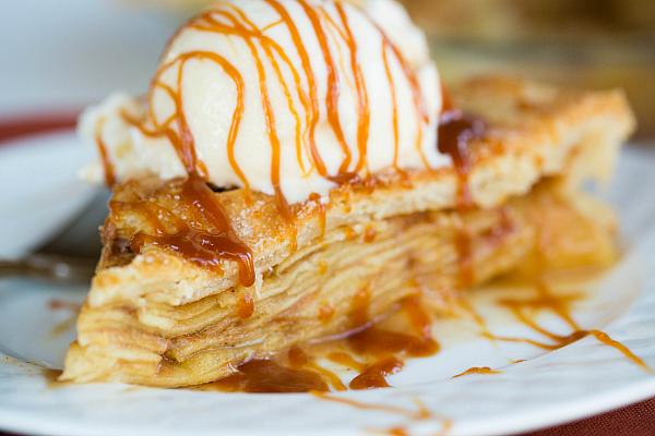 salted-caramel-apple-pie-42-600